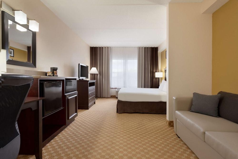 https://i.travelapi.com/hotels/2000000/1090000/1088200/1088139/68484cb2_z.jpg
