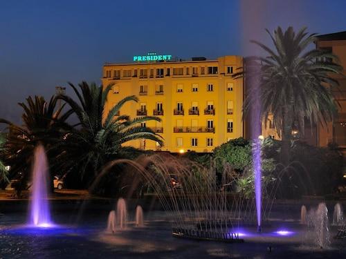 . Hotel President