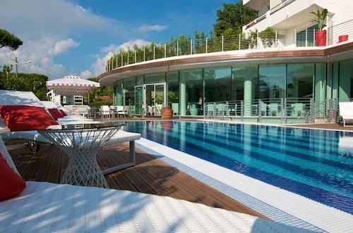 . Mondial Resort and Spa Marina di Pietrasanta