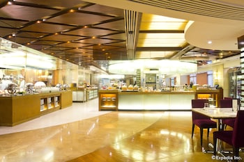 New World Manila Bay Hotel Manila Buffet