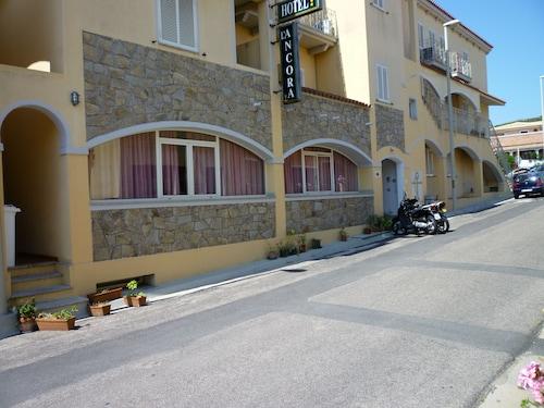 . Hotel L'Ancora