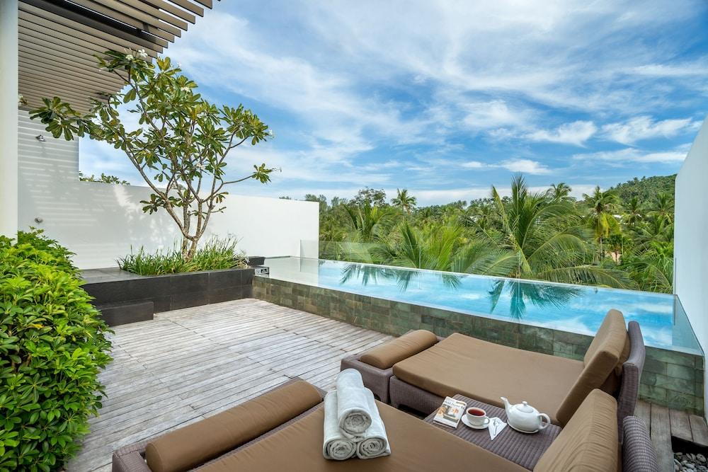 https://i.travelapi.com/hotels/2000000/1100000/1095000/1094968/06939872_z.jpg
