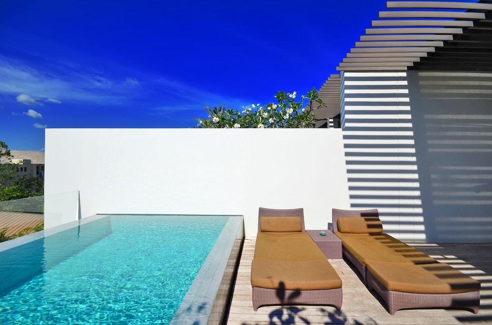 https://i.travelapi.com/hotels/2000000/1100000/1095000/1094968/d1106e03_z.jpg