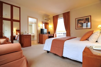 Executive Room, Jetted Tub