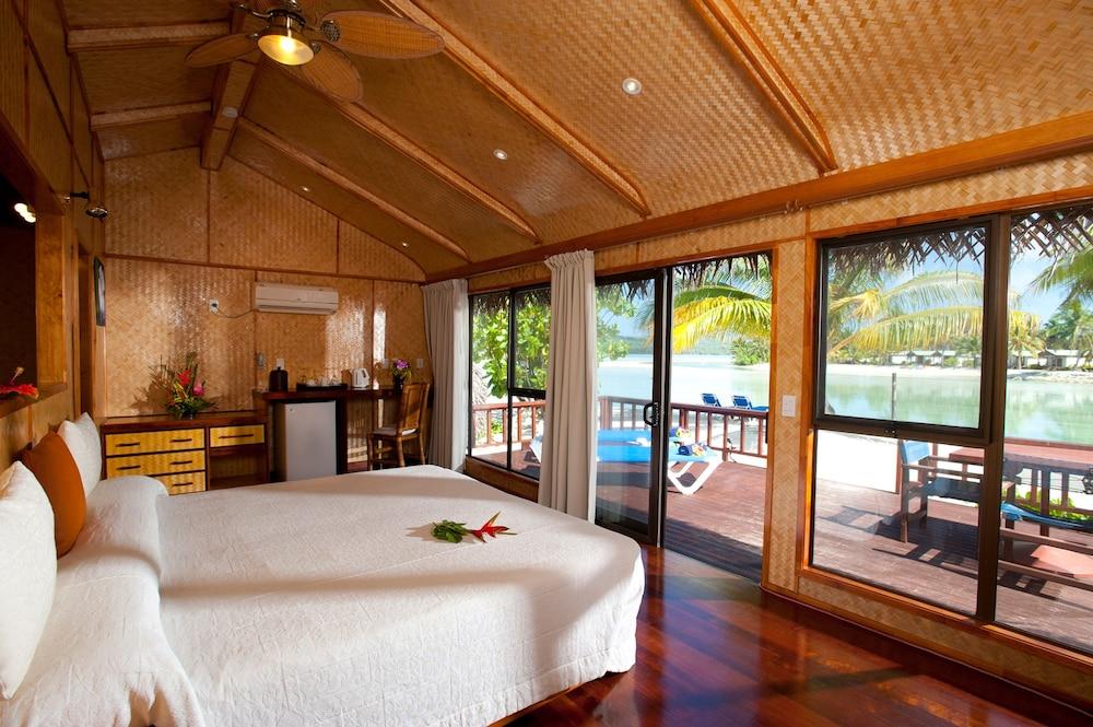 https://i.travelapi.com/hotels/2000000/1100000/1096600/1096555/c5c38378_z.jpg
