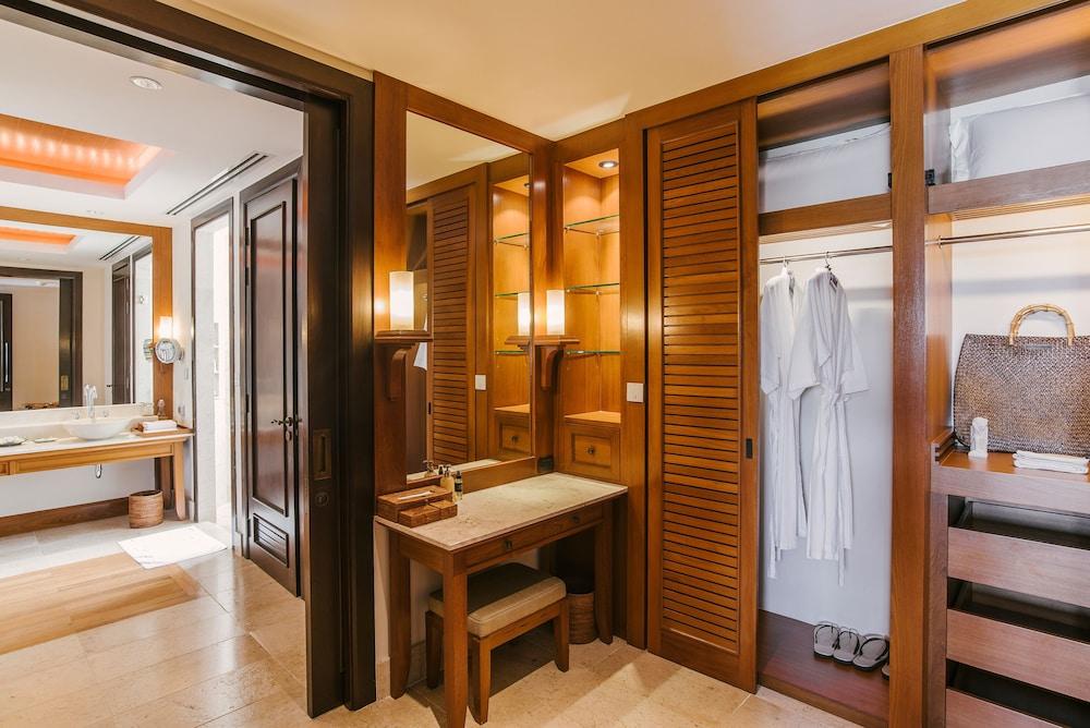 https://i.travelapi.com/hotels/2000000/1100000/1097000/1096979/211d0360_z.jpg