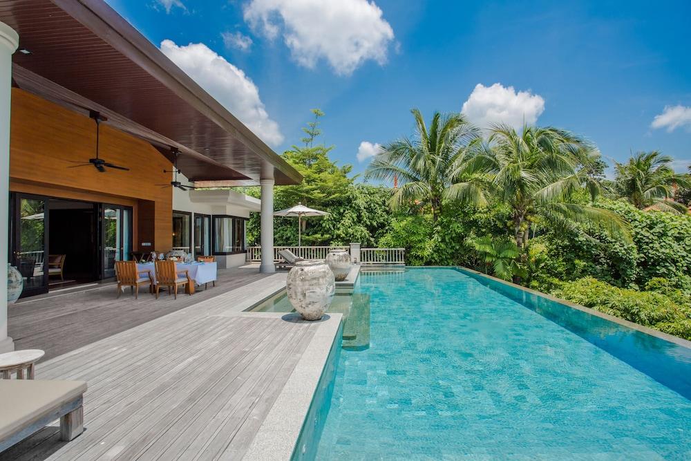 https://i.travelapi.com/hotels/2000000/1100000/1097000/1096979/212cedfe_z.jpg