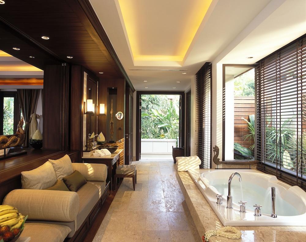 https://i.travelapi.com/hotels/2000000/1100000/1097000/1096979/26287d10_z.jpg