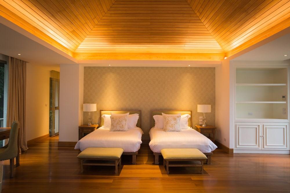 https://i.travelapi.com/hotels/2000000/1100000/1097000/1096979/43db169b_z.jpg