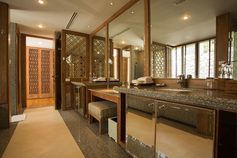 https://i.travelapi.com/hotels/2000000/1100000/1097000/1096979/5a46753e_z.jpg