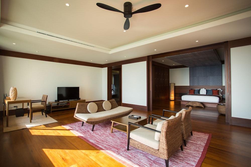 https://i.travelapi.com/hotels/2000000/1100000/1097000/1096979/68dff341_z.jpg