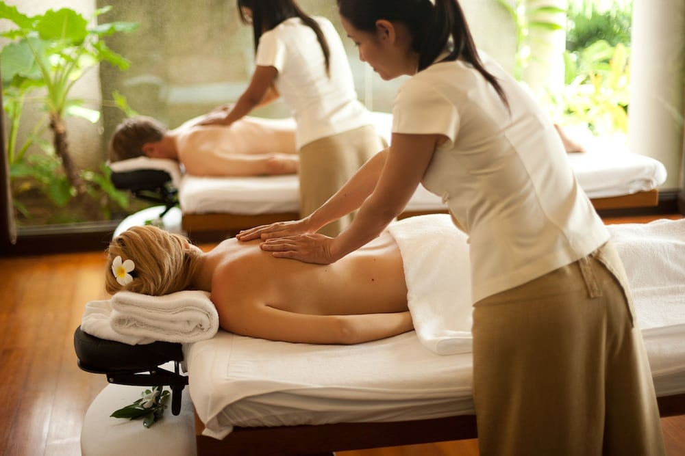 https://i.travelapi.com/hotels/2000000/1100000/1097000/1096979/b86a44f1_z.jpg