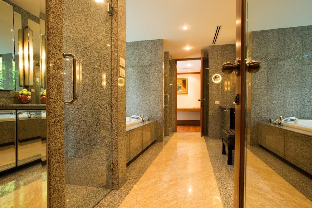 https://i.travelapi.com/hotels/2000000/1100000/1097000/1096979/de70ca81_z.jpg