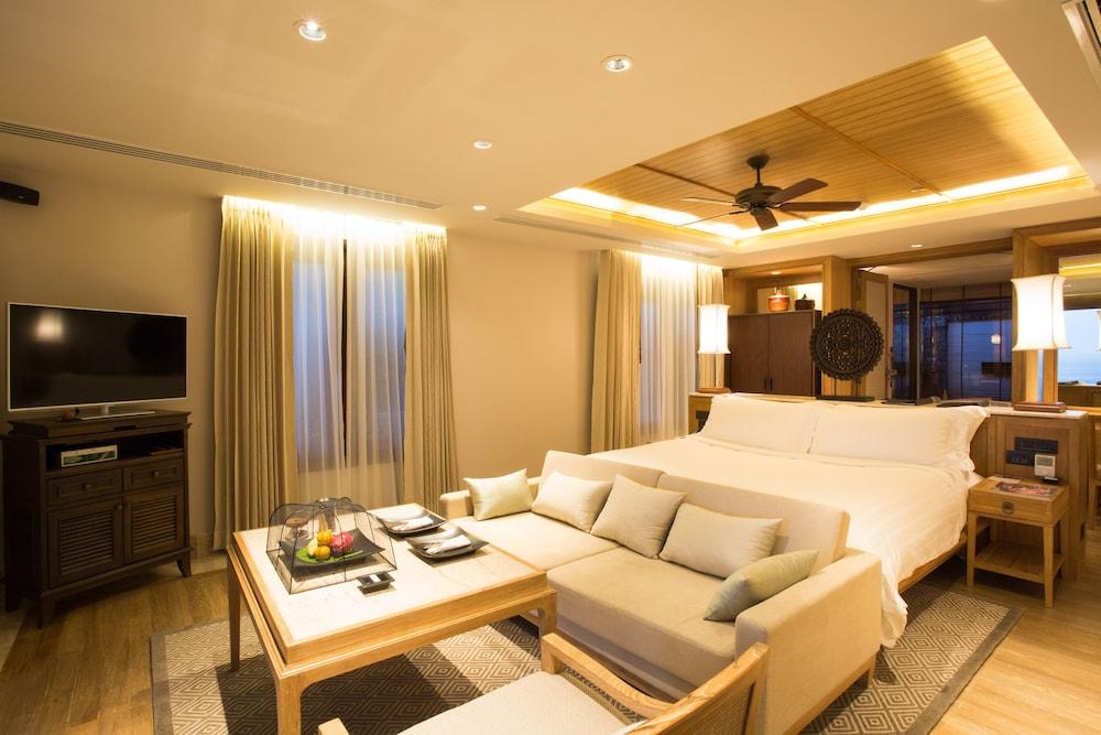 https://i.travelapi.com/hotels/2000000/1100000/1097000/1096979/e9448380_z.jpg