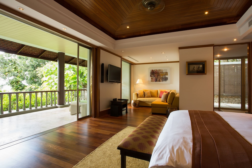 https://i.travelapi.com/hotels/2000000/1100000/1097000/1096979/ff60233a_z.jpg