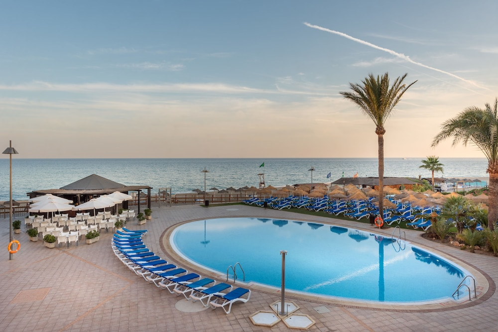 Pool : Outdoor Pool 9 of 80