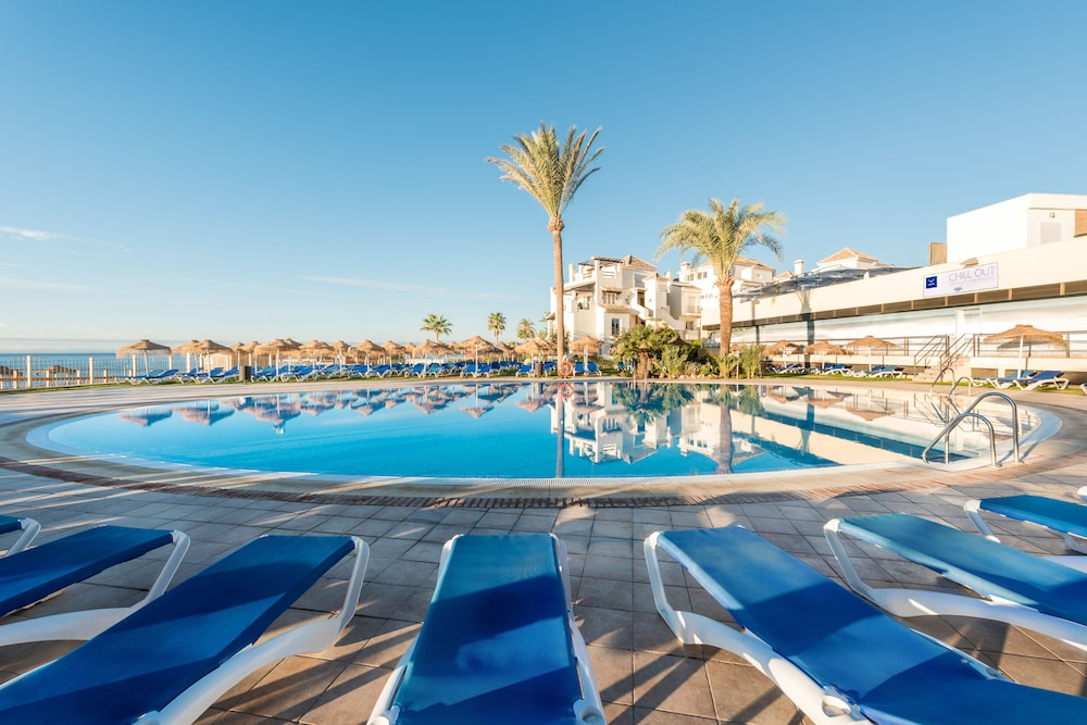 Pool : Outdoor Pool 10 of 80