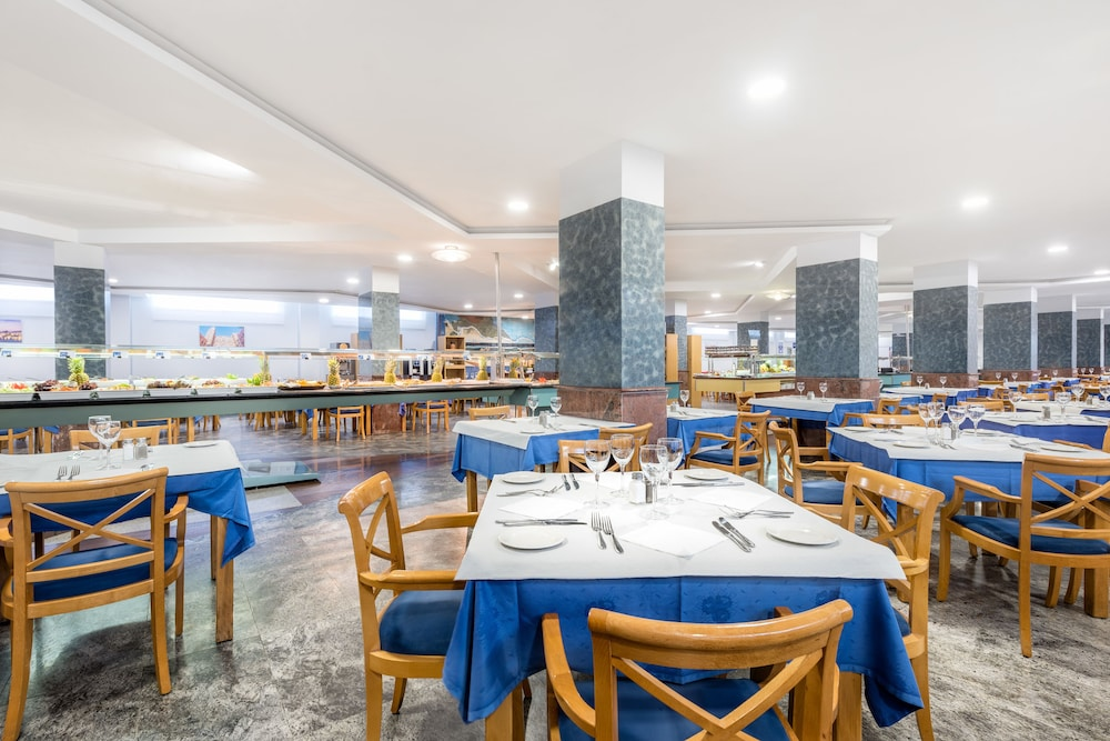 Dining : Restaurant 24 of 80