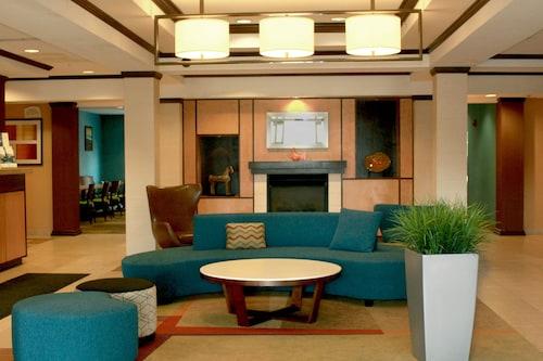 . Fairfield Inn & Suites by Marriott Fairmont