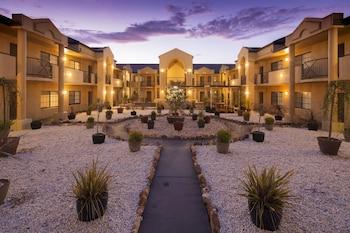 Hotel - Canberra Parklands Central