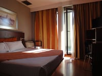 Room, Terrace (Petite)