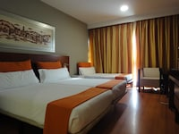 Double or Twin Room (+ Extra Bed)