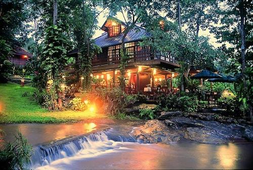 Sukantara Cascade Resort, Mae Rim