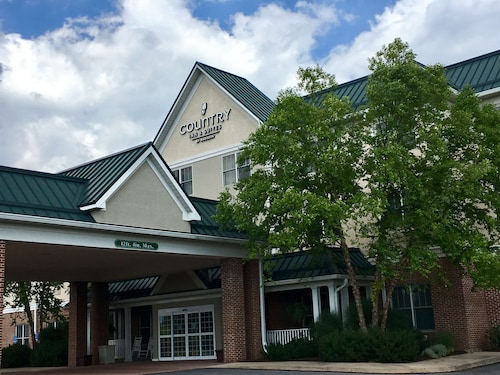 . Country Inn & Suites by Radisson, Lewisburg, PA