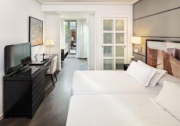 H10 Universitat Hotel -