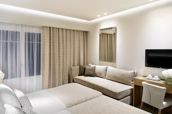 Deluxe Double Room (with Sofa)