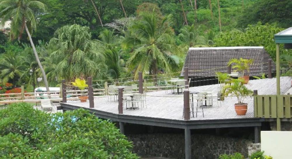 https://i.travelapi.com/hotels/2000000/1110000/1102200/1102158/68854ecd_z.jpg