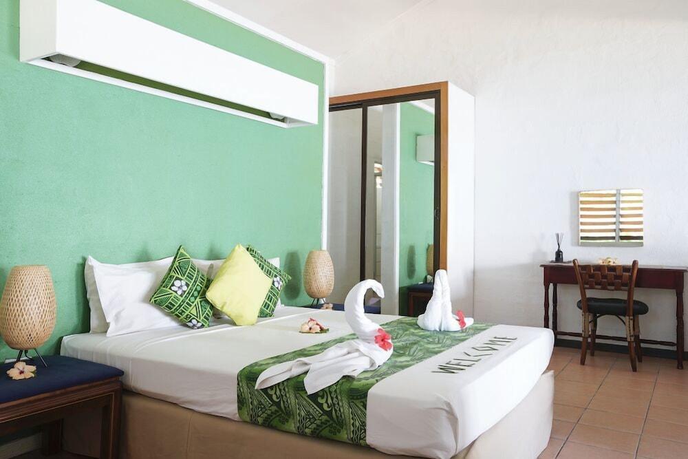 https://i.travelapi.com/hotels/2000000/1110000/1102500/1102439/c5e8880d_z.jpg