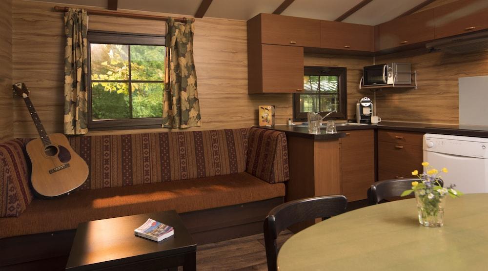 Disney's Davy Crockett Ranch, Room