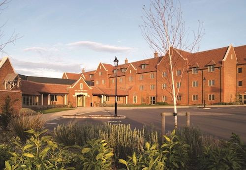 . DoubleTree by Hilton Cambridge Belfry