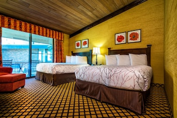 The Lakeview Hotel, Shanty Creek Resort : Standard Guest Room, Preferred View