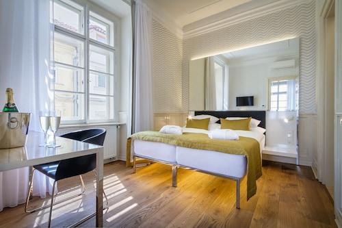 Hotel Golden Star, Praha 6