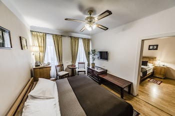 Standard Quadruple Room, River View