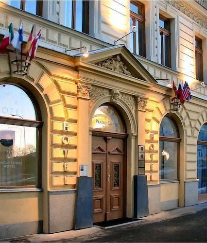 Praga - Prague Centre Superior - ze Szczecina, 9 kwietnia 2021, 3 noce