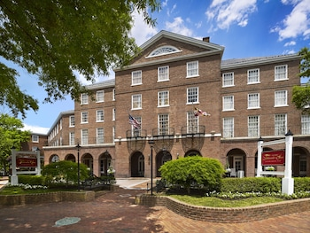 Hotel - The Tidewater Inn