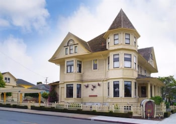 Pacific Grove Inn