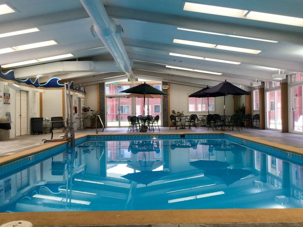 파크웨이 플라자 호텔 & 컨벤션 센터(Parkway Plaza Hotel & Convention Center) Hotel Image 26 - Indoor Pool