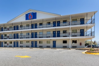 Hotel - Motel 6 Greenville SC