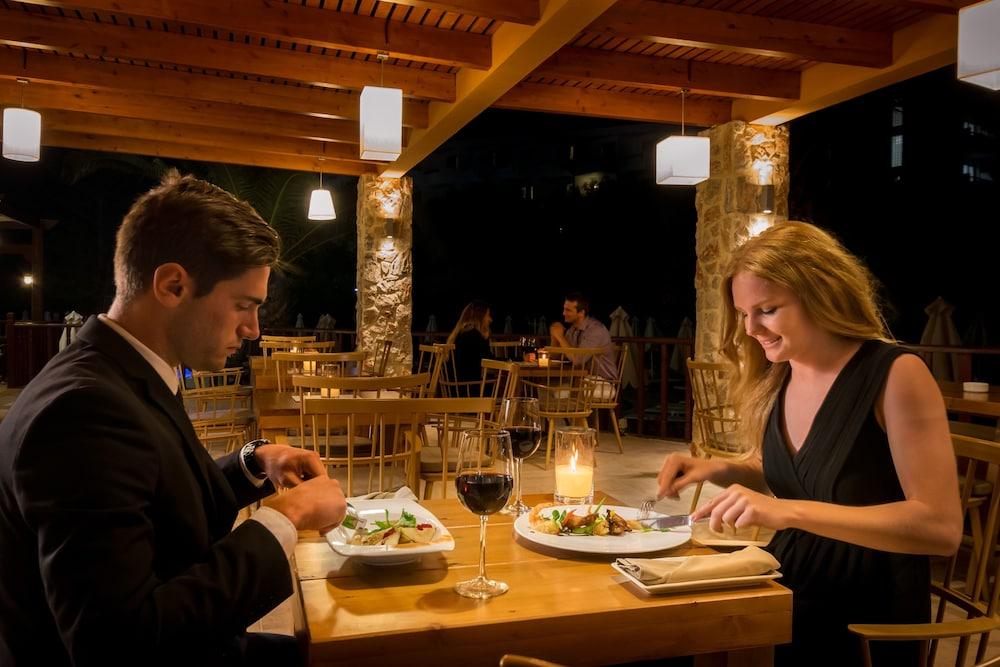 선 비치 리조트 콤플렉스(Sun Beach Resort Complex) Hotel Image 76 - Dining
