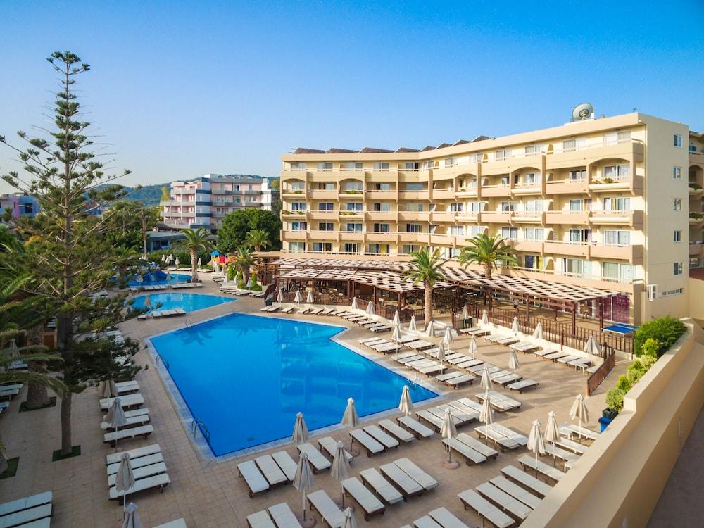 선 비치 리조트 콤플렉스(Sun Beach Resort Complex) Hotel Image 44 - Balcony View