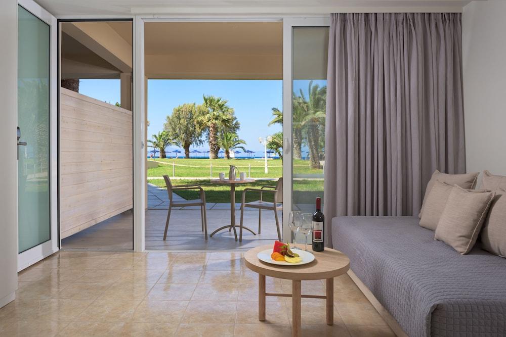 선 비치 리조트 콤플렉스(Sun Beach Resort Complex) Hotel Image 27 - Living Room