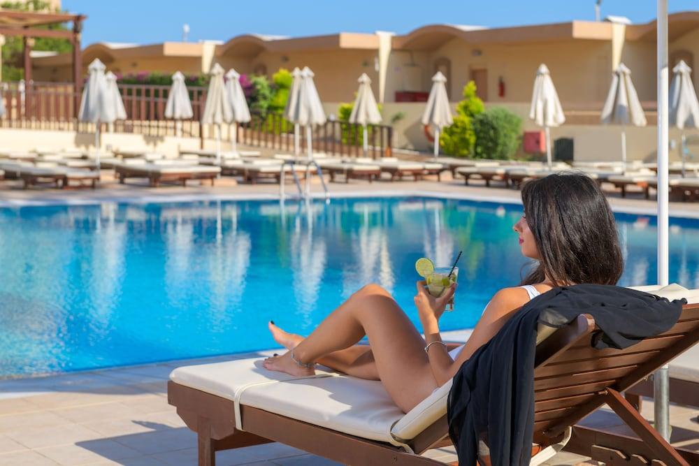 선 비치 리조트 콤플렉스(Sun Beach Resort Complex) Hotel Image 56 - Outdoor Pool