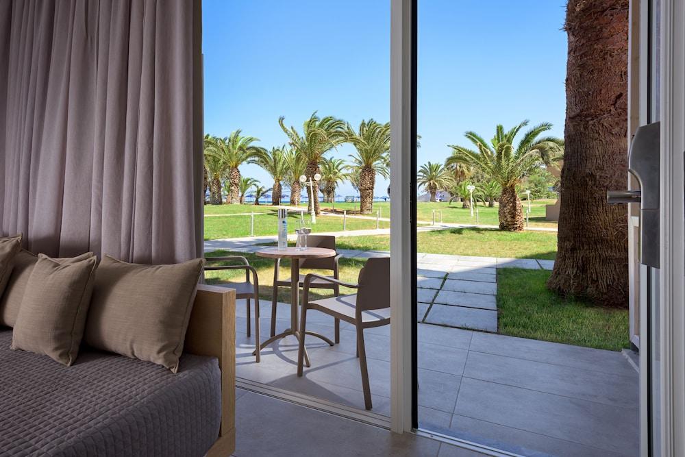 선 비치 리조트 콤플렉스(Sun Beach Resort Complex) Hotel Image 23 - Living Area