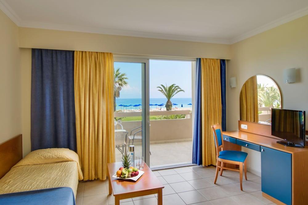 선 비치 리조트 콤플렉스(Sun Beach Resort Complex) Hotel Image 26 - Living Room