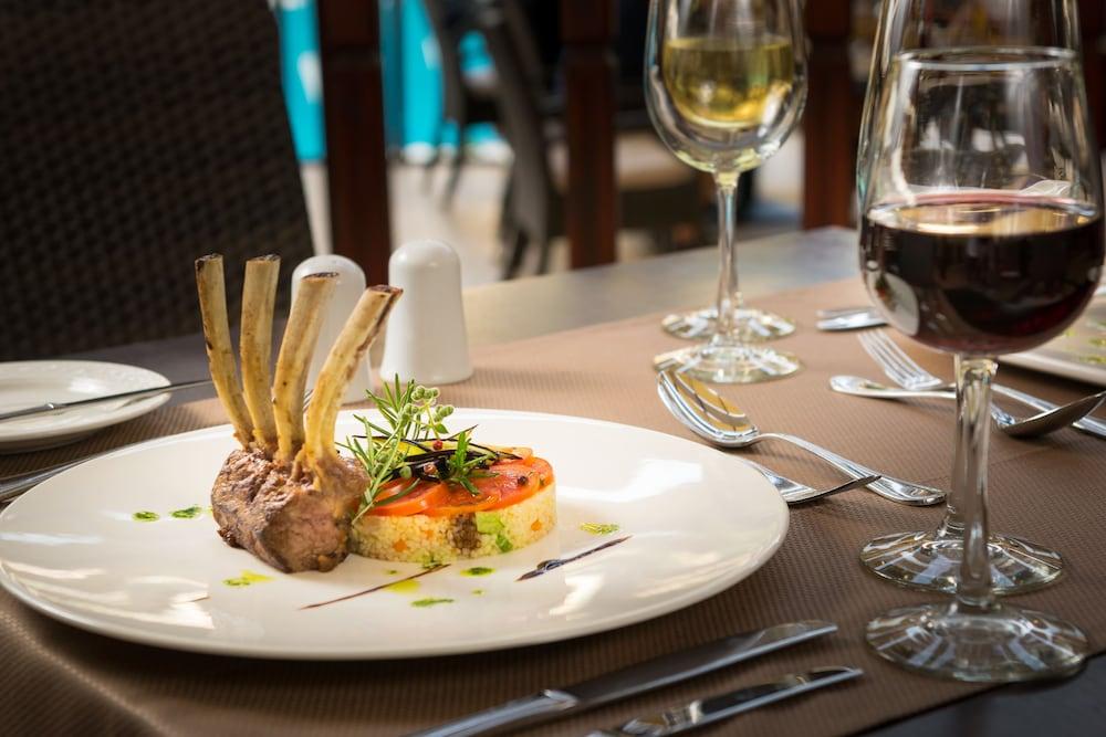 선 비치 리조트 콤플렉스(Sun Beach Resort Complex) Hotel Image 96 - Food and Drink