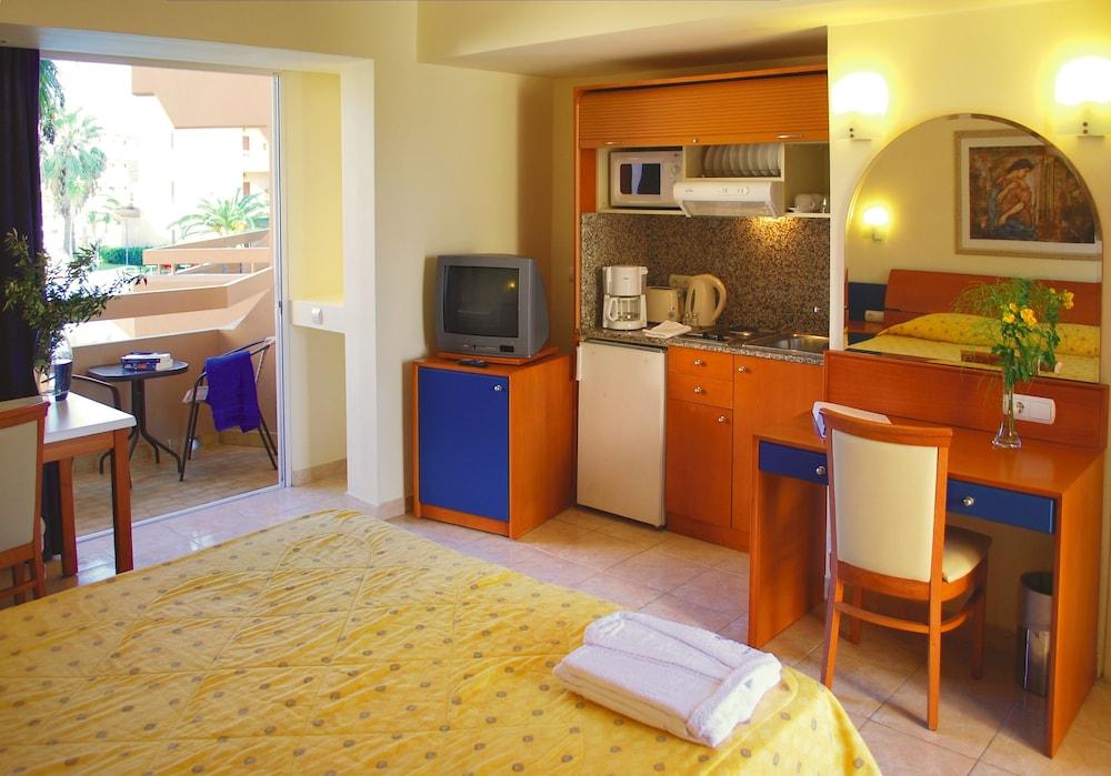 선 비치 리조트 콤플렉스(Sun Beach Resort Complex) Hotel Image 4 - Guestroom